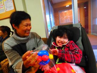 医療的ケア児と笑顔のバトンを広げる!大道芸で地域をつなげよう
