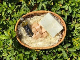 インド伝統医療アーユルヴェーダの考えに基づいた石鹸を製作!