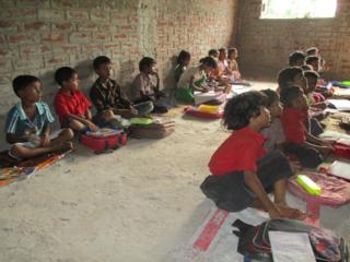 カーストで差別されたインドの子ども達に継続して学べる環境を