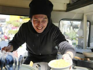四国の生産者たちを紹介する新しいキッチンカーを購入したい!