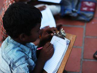 1コマの授業で子供達を貧困から救う インドに放課後スクールを