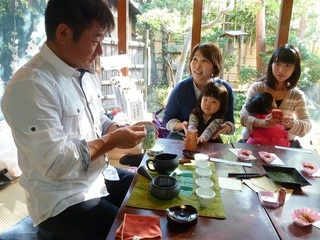 お茶の魅力を農家が直接伝え交流する、コミュ二ティ茶会の開催を