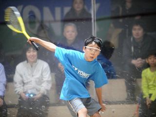 年齢別の大会を開催し多くの子供にスカッシュをする喜びを!