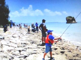 ユニークな釣り方・釣具で、広い海岸がファミリー釣り場に!