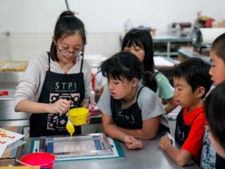 福島の子どもたちの心に寄り添うアート体験をシンガポールで