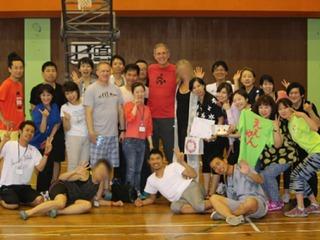 子供たちに夢を!伝説のNBA選手とチャリティバスケイベント開催