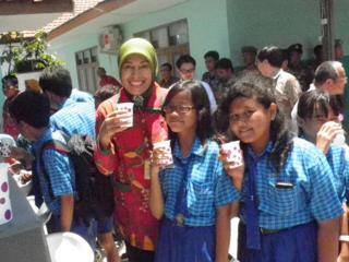 浄水施設を建設し、インドネシアの子供たちに清潔な飲料水を!!