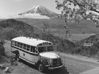 富士山の今昔を切手にし、環境保全活動につなげたい!