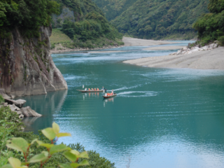 """""""川の参詣道"""" 世界遺産・熊野川の川舟下りを続けていきたい"""