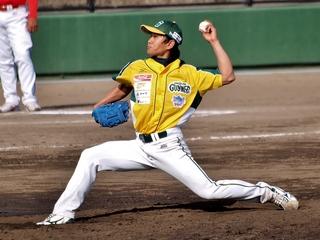 ミャンマー初のプロ野球選手を応援し、同国へ野球道具を送りたい