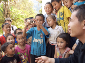 「世界の小さなカメラマン」子ども達が日常を写した写真集制作!