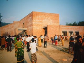 ネパール子ども病院に命を捧げた医師の業績を落語調に伝えたい