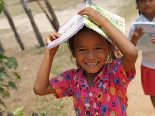 カンボジアの学校のない地域に、無料で通える小学校を~HEROプロジェクト~