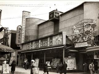 松竹芸能が上方演芸の歴史を紡ぐ。殿堂「角座」の一口支配人募集