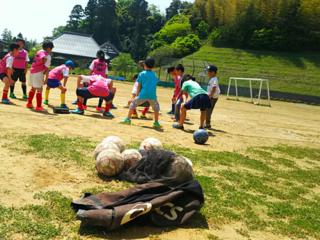サッカーをもっと楽しく。安全なゴールと道具置場を子ども達へ!