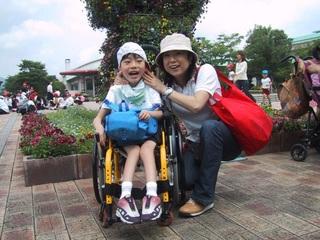 息子と歩む次の一歩。医療的ケアが必要な方向けの施設を創りたい