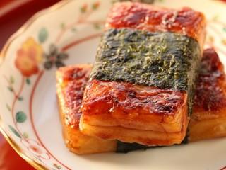 北海道産のもち米を使用。移動販売で毎日つきたてのお餅を提供!
