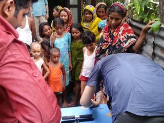 新たな浄水システムで子供達に安全な水を飲んでもらいたい!