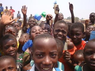 勉強を望むマラウイの子どもたちに教育を!貧困地域での学校建設