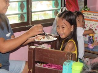 フィリピンの子供たち149人に栄養価の高い給食を!