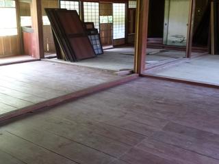 築108年の古民家(重要伝統的建造物)の床をバリアフリーに!