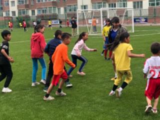 海外で無料のサッカー教室を開催したい。