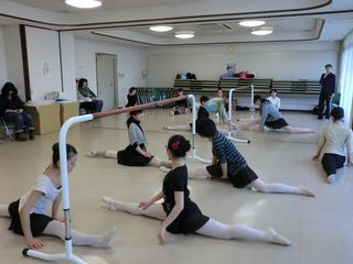 津波で流失したバレエ衣裳を購入し気仙沼で創立20周年公演を!