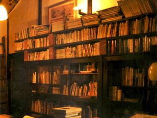 眠っている3000冊以上を整理し、料理本専門の図書館を作る!