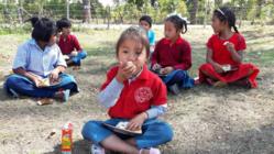 ネパール公立ソビベック小学校の子供達に美味しい給食を!第2弾