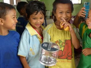 タイの無電化地域で勉強している子供に100個の光を届けたい!