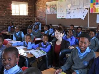 南アフリカの子どもたちの為に、日本の移動図書館車を送りたい!