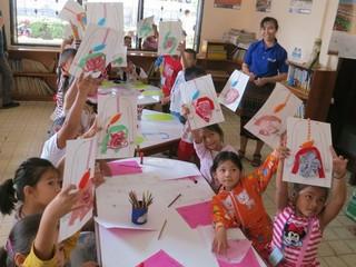 アートを使った「からだ・いのち」の教育をラオスの子ども達へ