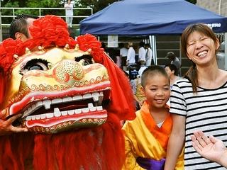 気仙沼の仮設住宅や老人施設で佐賀の獅子舞を踊り笑顔を届けます