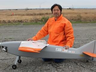長距離飛行を目指した無人飛行機のための飛行試験費用