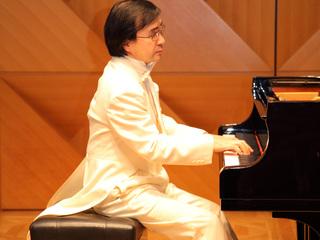 視覚障がいを持つピアニストが夏に3都市でリサイタルを開催!