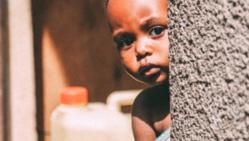 HIVと戦うウガンダのシングルマザー家族を飢餓から救いたい!