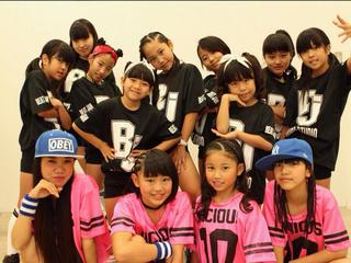 沖縄のダンスユニット「琉球QT-BLUE」を応援するTシャツを制作!