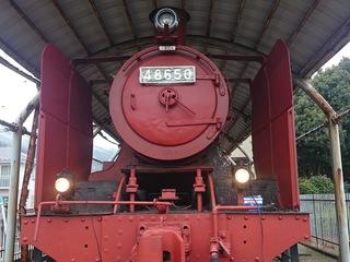 市の公園に展示中の蒸気機関車を綺麗にし動くまでに復元したい!