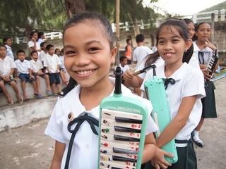 UUUプロジェクト セブ島の子どもたちにクラシックコンサートを届ける