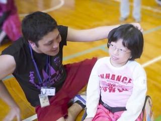 操作性のよい車いすを購入し、運動障害児の活動の幅を広げたい!