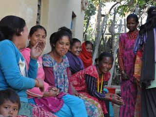 ネパール農村女性の起業支援として家畜となる豚を届けたい!