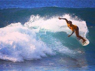 日本人初の世界サーフィンリーグ参戦を目指し海外遠征をしたい!