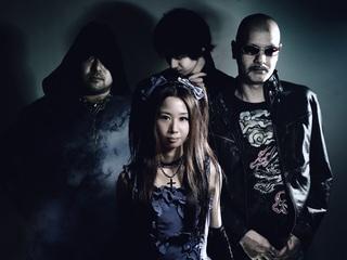 ヘヴィーメタルとクラシックを融合したバンドの初albumを制作!