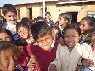 「ヤギさんプロジェクト」ヤギを飼ってネパールの子ども達へ教材支援