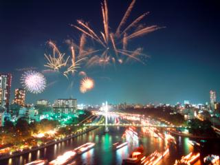 千年続く日本三大祭の大阪天神祭で5000発の奉納花火を打上げたい