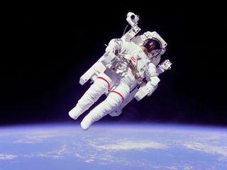 「日本人初の宇宙飛行士」秋山氏から若者たちへ夢をプレゼント!