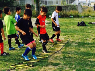 より多くの子ども達がサッカーを習えるように送迎車を購入したい