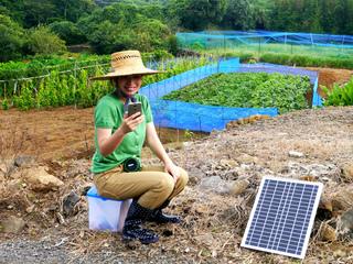 畑でスマホ充電!次世代農作業用イス「ソライス」を 作りたい!