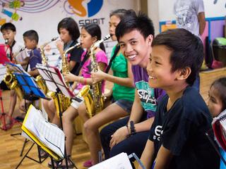 フィリピンセブ島の貧困地区の音楽教室に電子ピアノを贈りたい!