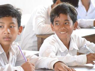 カンボジアの子供たちのために職業紹介本を作りたい!